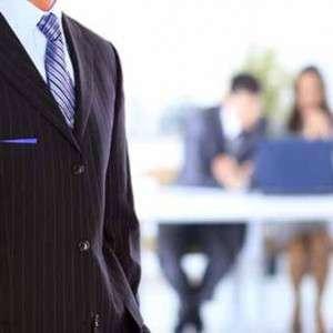 What Does a Loan Originator Do?